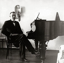 Rachmaninoff_1910s_Bluthner